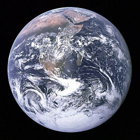 NASA-The_Earth_seen_from_Apollo_17_ws.jpg